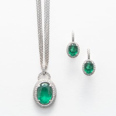 Emerald & Diamond Pendant and earrings
